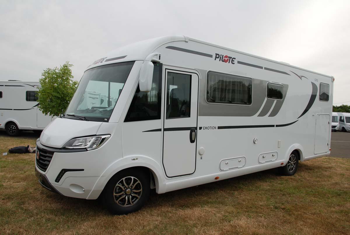 camping car integral lit jumeaux pilote g781gj exterieur 2 reicartech reicartech. Black Bedroom Furniture Sets. Home Design Ideas